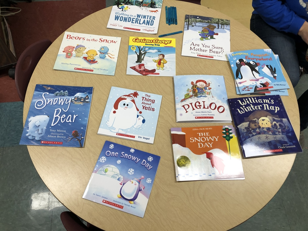 Kindergarten receives 4th set of books